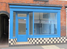 Lock Up Shop, Beatrice Street, Oswestry, SY11 1QE
